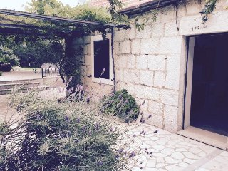 Old Stone House with pool Kucice near Omis