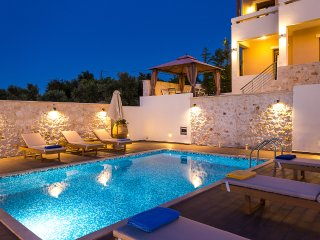 Newly built Complex of private Villas with pools, Rethymnon