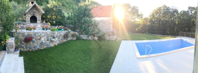 BBQ, Garden and Pool - Panorama