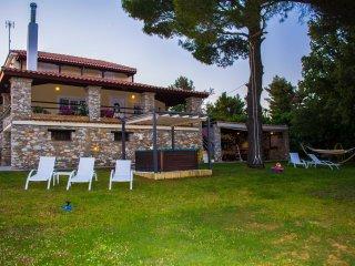 Villa Gem, Cidade de Skiathos