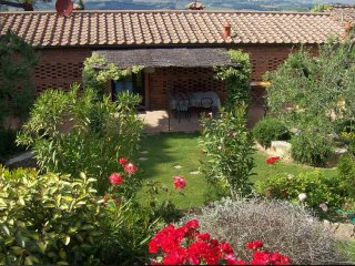 Apartment FarmHouse Il Pesco, Pancole