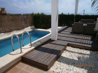 Chalet tipo duplex con piscina, La Parata