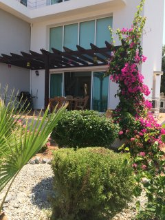 Crystal Bay Marina apartment with sea view, Baceli