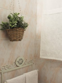 Jasmine Apartment- bathroom detail