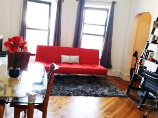 Amazingly Gorgeous Jr. Apt-only 12 min to Manhatta, Brooklyn