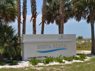 Siesta Key Beach with gorgeous sunsets in Siesta Key
