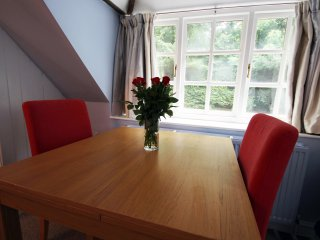 Large Coach House near Bath- Parking, Kitchen,Wifi