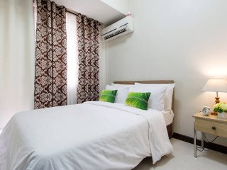 1BR CONDO-with 5 star Amenities, Manila