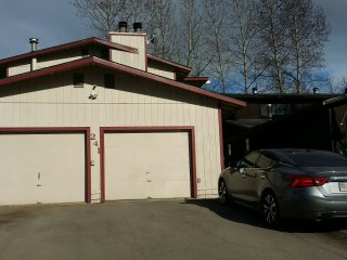 3 Bedroom Home, in  quiet and convenient location, Anchorage
