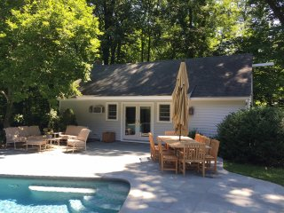 Private pool house with access to pool and tennis, Darien