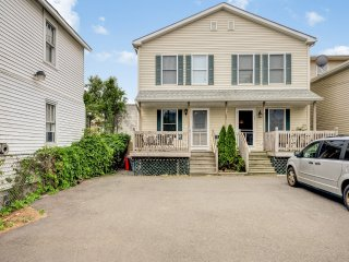 1,250 sf Beautiful House  3 BR 2 BA parking 2 cars, Seaside Heights