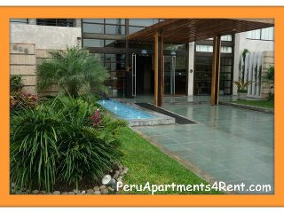 2 Bed floor 18 w/ balcony club house near Larcomar, Lima