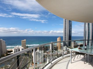 Holiday Holiday Gold Coast - Chevron Renaissance, Surfers Paradise