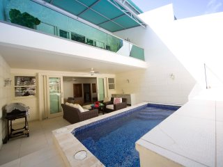 Luxury Hillside Villa at Limegrove, St James ~ Private Pool ~ 5 mins from Beach