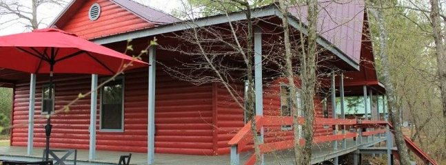 Red Fox Den (sleeps 4) No Pets, Broken Bow