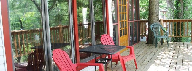 The Fisherman's Cabins (sleeps 2) No Pets, Broken Bow