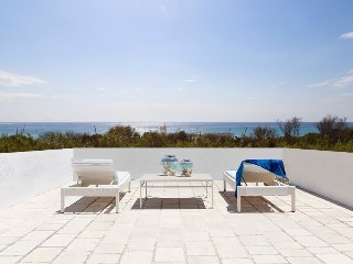 Exclusive beachfront villa with sea view ★ Gallipoli ★