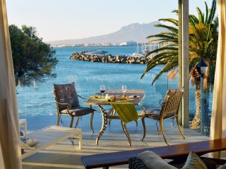 Bikini Beach Self Catering Suites, Gordon's Bay
