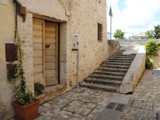 isolabella. House in the historic centre, Foligno