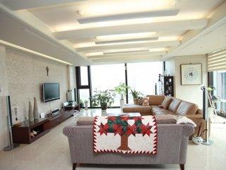 Nice apartment, quiet room in Songdo, Incheon