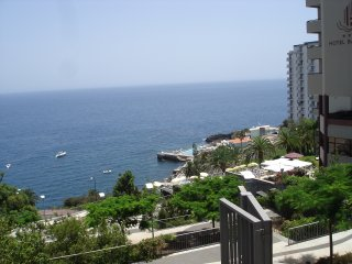 Funchal Monumental Lido Apartment +Wi-Fi!...