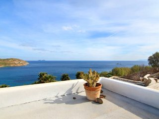 Villa Breeze with 3 Bedrooms in Mykonos, Kalo Livadi