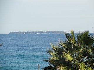 Cannes plage terrasse vue panoramique 3/4pers vélo