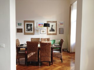 Spacious artsy 2Bedroom/2Bath-in heart of Prague
