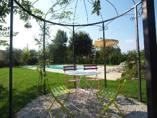 Casina La Graziosa private villa with pool, Cortona