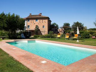 Fiordaliso Cosy Agriturismo with swimming pool