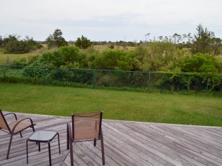 10 mins to the beach, peaceful, single story home, Jacksonville