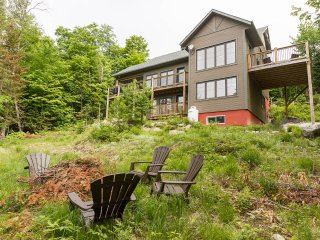 Laurentian Bear, 4 Bedrooms near Tremblant, 3000sq, Mont Tremblant