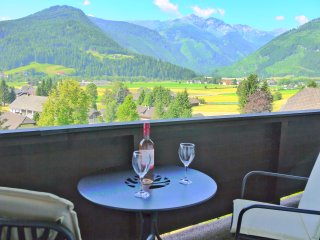 Furnished Balcony with Mountain Vista
