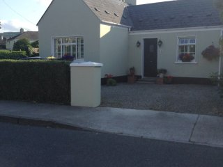 Bright comfortable room in attic of cottage, Dundrum