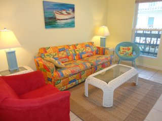 Beach Front 501- Bargain condo right on the beach!, Gulf Shores