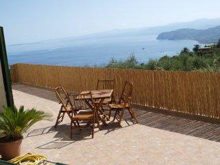 Appartamento in Villa con panorama sul mare. Wi-Fi
