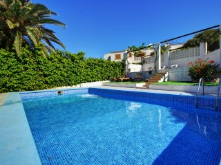 Groundfloor Princess apartment with communal pool, Santa Ponsa