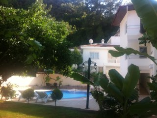 Garden Villas New - Beach/TownCentre/Swimming Pool (2 bedrooms for 6+1 guests)