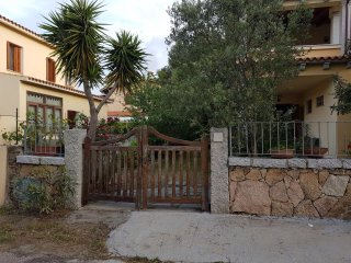 San Teodoro appartamento con giardino