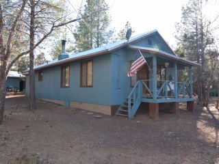 Vacation Cottage in Lakeside Arizona! Beautiful pines