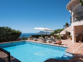 Spacious dazzling villa with beautiful sea vue, Altea