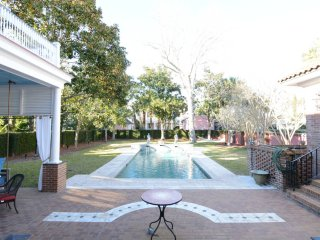 The Gatsby (Historic Downtown with Private Pool), Charleston