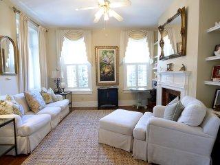 La Bella Vita - Historic Downtown - Classic Charleston Home