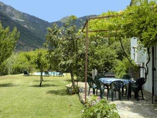 Casa rural, Finca 3H, vistas al rio y montagna, Ubrique