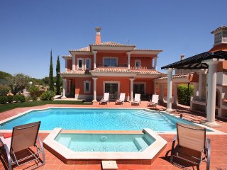 BRAND NEW 5 BEDROOM VILLA WITH POOL, Loulé