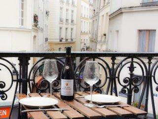 Saint Michel - Spacious luxury and family apart, Paris