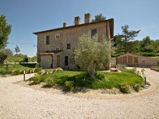 Borgo Giorgione Villa 14 Sleeps, Monteleone d'Orvieto