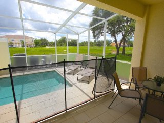 Very nice 3 bed 3 bath town home with splash pool, Clermont