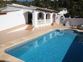 Colina - holiday home with private swimming pool in Moraira, La Llobella