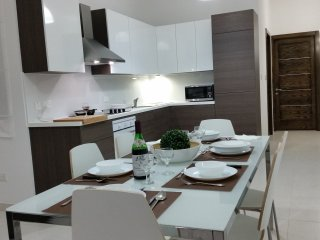 Qawra/Bugibba new and centraly located apartment, San Pawl il-Baħar (St. Paul's Bay)